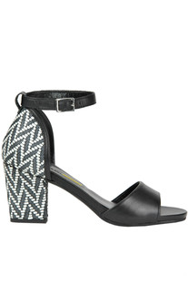 Leather sandals Manas